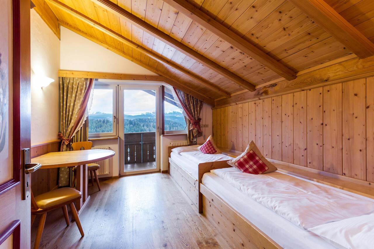 Zimmer & Preise » Famlienhotel Obereggen in Südtirol